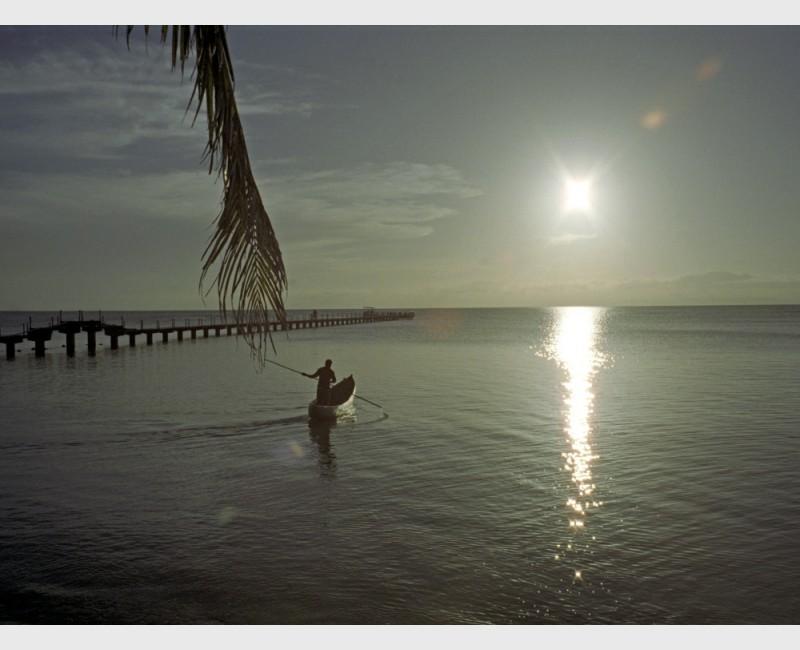 """""""Mad boatman"""" - II - Madagascar, 1997"""